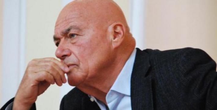 Страсти вокруг Познера: сможет ли Госдума отлучить ведущего от телеэфира?