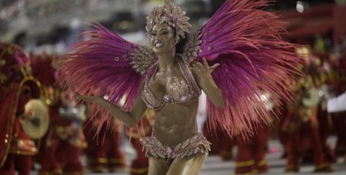 Буйство красок на Бразильском карнавале
