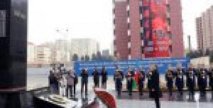 Ильхам Алиев почтил память жертв Ходжалинской трагедии