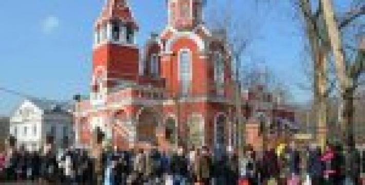 Около 15 тысяч куличей раздадут на Пасху инвалидам и ветеранам в Центральном административном округе Москвы