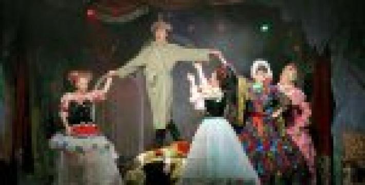 Премьера спектакля «Женитьба Бальзаминова»