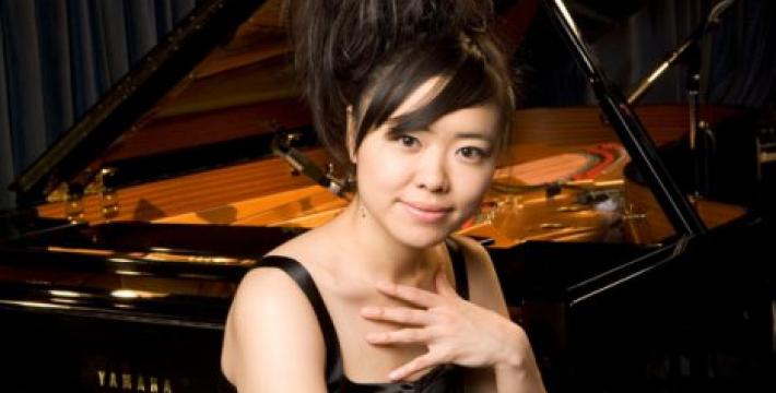 Одна из самых ярких джазовых пианисток мира Хироми в Международном Доме музыки