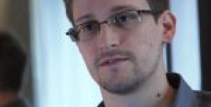 По книге об Эдварде Сноудене снимут фильм