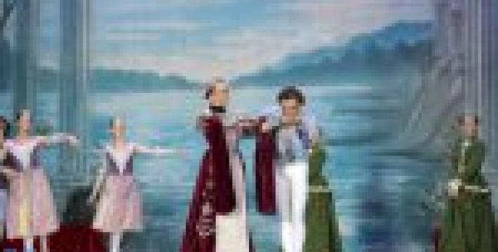 В Ялте состоялся спектакль «Лебединое озеро». Фотогалерея