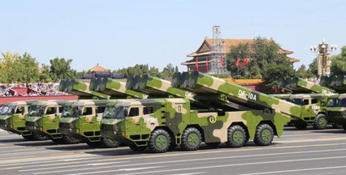 Китай на параде в Пекине показал новейшие образцы вооружений