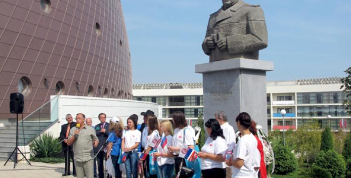 В Болгарии установлен памятник советскому маршалу