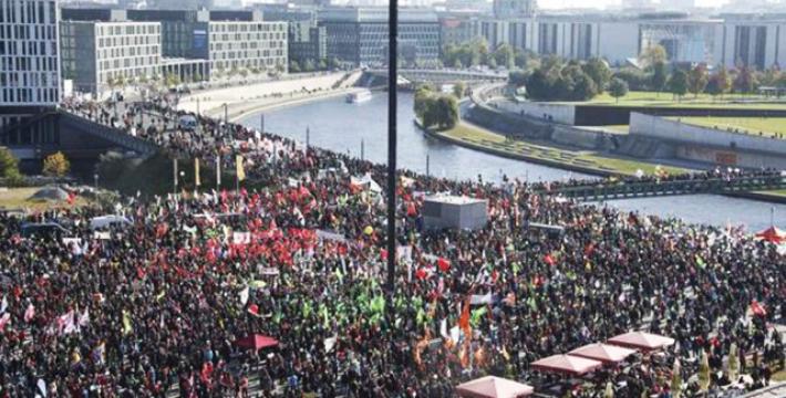 В Берлине прошел грандиозный митинг против торгового партнерства США и ЕС