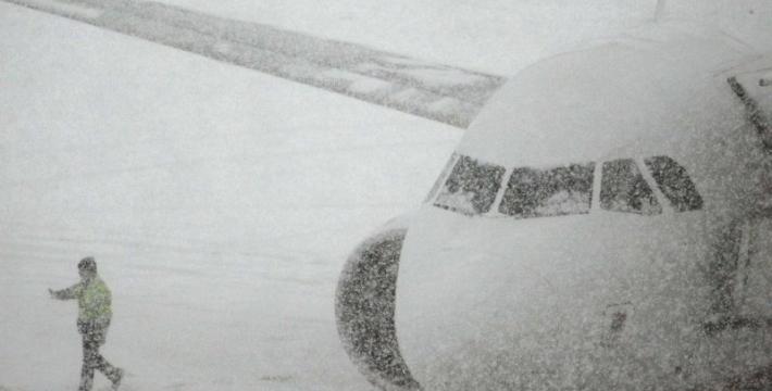 В Москве отменили и задержали более 100 авиарейсов