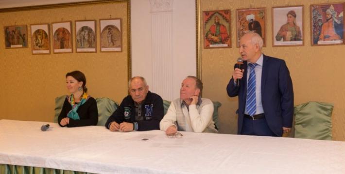 Семейный клуб любителей азербайджанской культуры популяризирует творчество великого Низами<