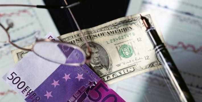 Эксперт назвал риски хранения крупной иностранной валюты