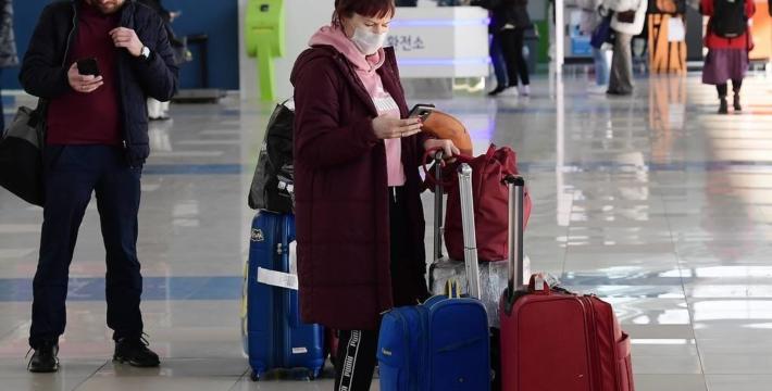 Роспотребнадзор посоветовал отказаться от зарубежных поездок из-за коронавируса