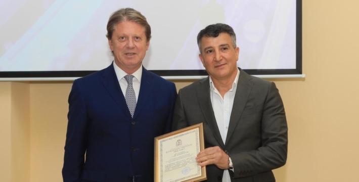 Губернатор Московской области отметил известного предпринимателя и мецената
