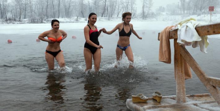 Крещенские купания признали язычеством