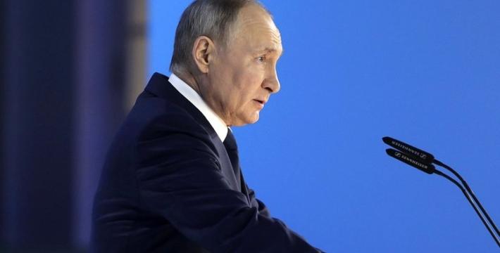 Владимир Путин объявил нерабочими дни между майскими праздниками