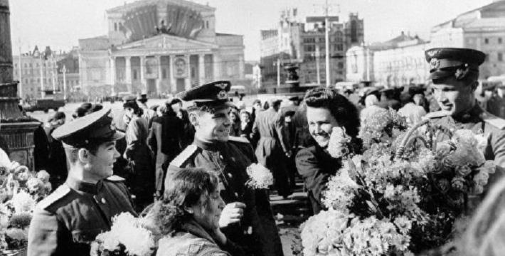С 76-й годовщиной Великой Победы!